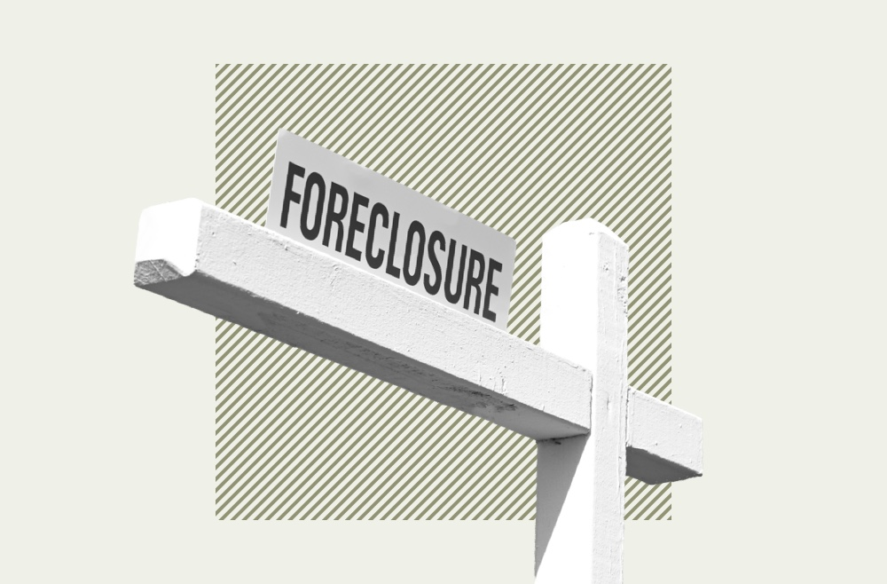 Image to accompany article on how to buy a foreclosed home